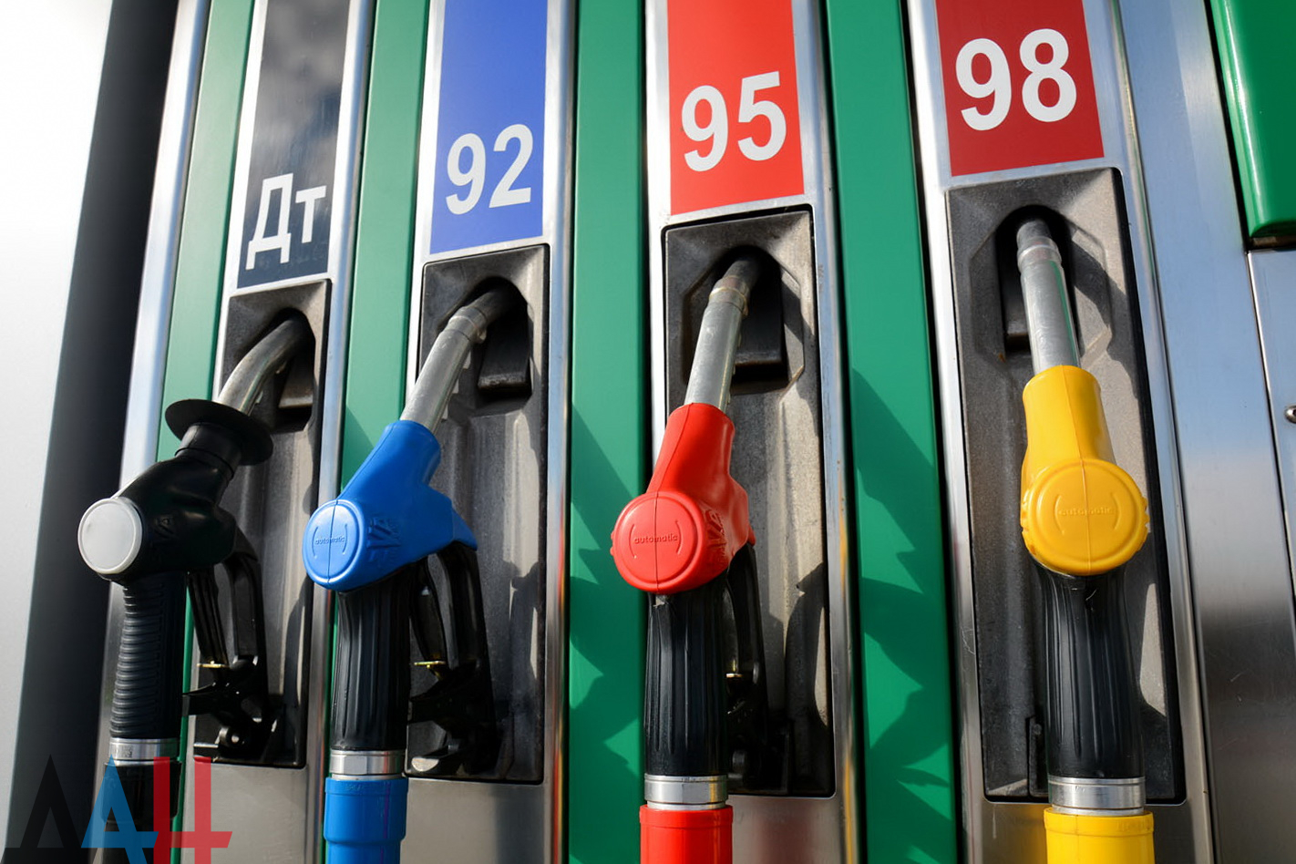С 21 января в Беларуси подорожало автомобильное топливо. Цены выше чем в России на 8-10% - INFOTRANS