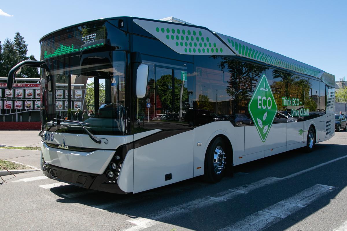 МАЗ показал свой первый электробус 1