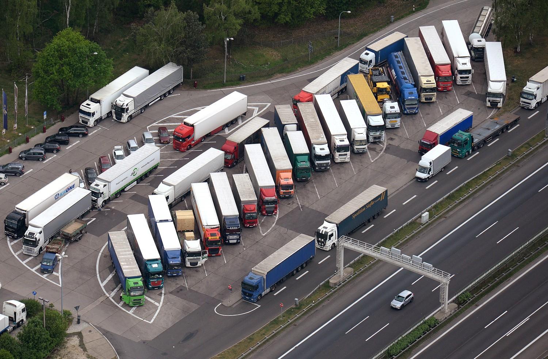 Таможенные органы Беларуси за два месяца выявили почти 2,2 тыс. нарушений правил транзитных перевозок 1