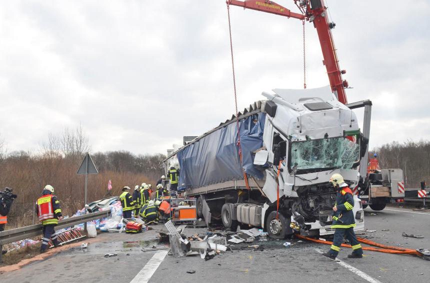 Несмотря на новейшие технологии, количество ДТП с грузовиками в Европе растет 5