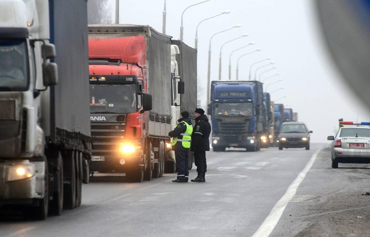 С 1 июля Беларусь снимает транзитные ограничения для большегрузов 1