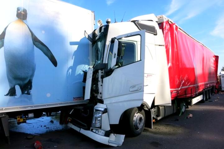 Несмотря на новейшие технологии, количество ДТП с грузовиками в Европе растет 7