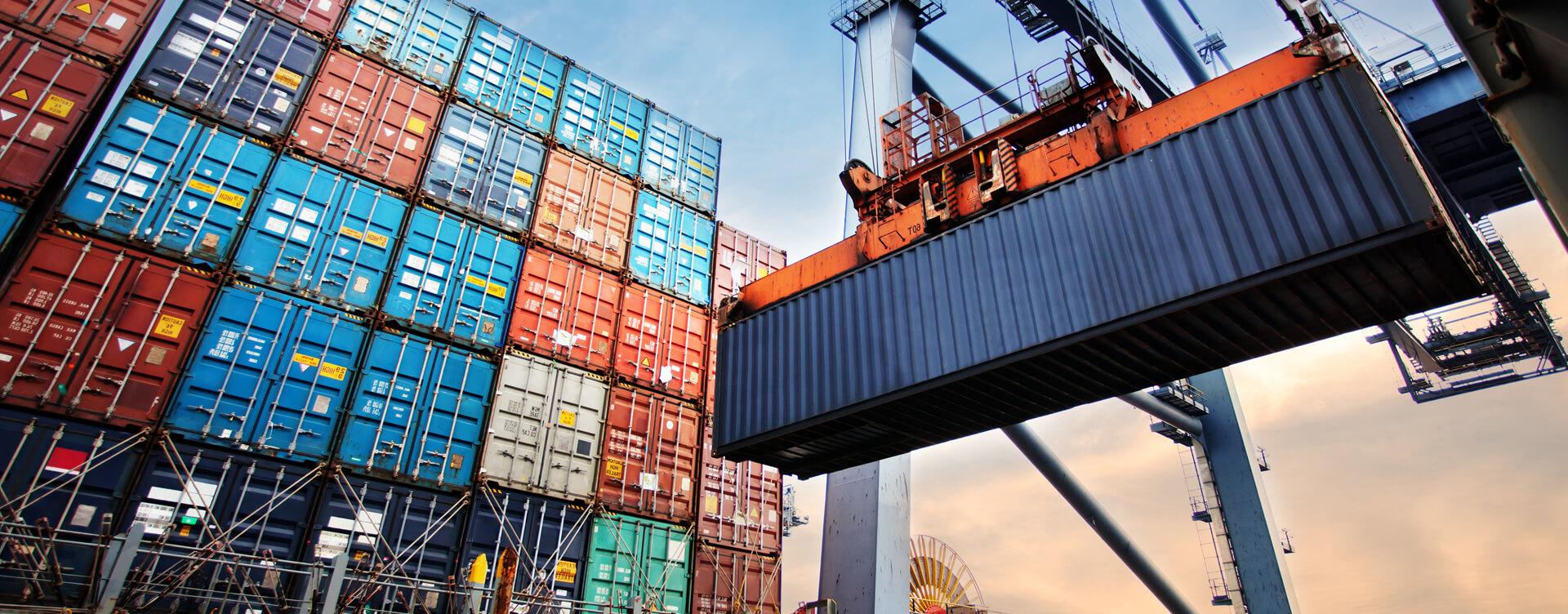 Рынок морских контейнерных перевозок значительно сократился в апреле-мае 2020 г. из-за пандемии covid-19 1