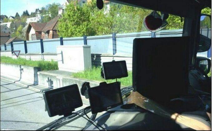 Как украшение кабины дальнобойщика может привести к проблемам с полицией 5