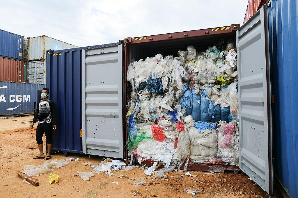 Китай планомерно ужесточает правила ввоза в страну вторсырья и отходов 1