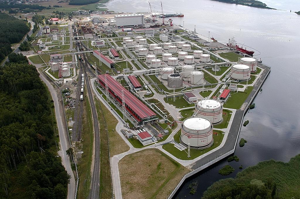 Беларусь изучит коммерческое предложение России по экспорту нефтепродуктов через российские порты 1
