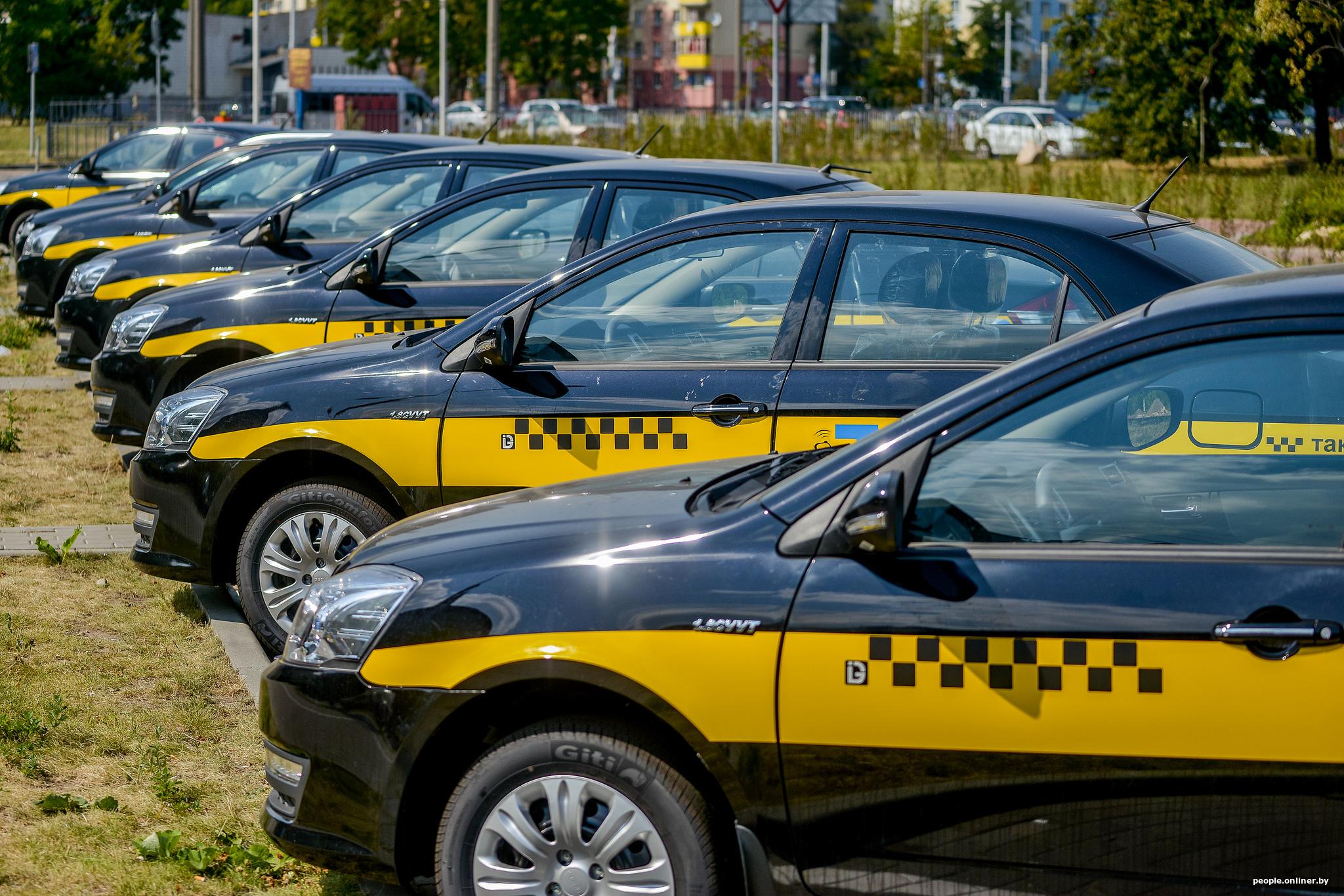 Водитель о работе в Яндекс.Такси. Заказов меньше, заработки упали... 1