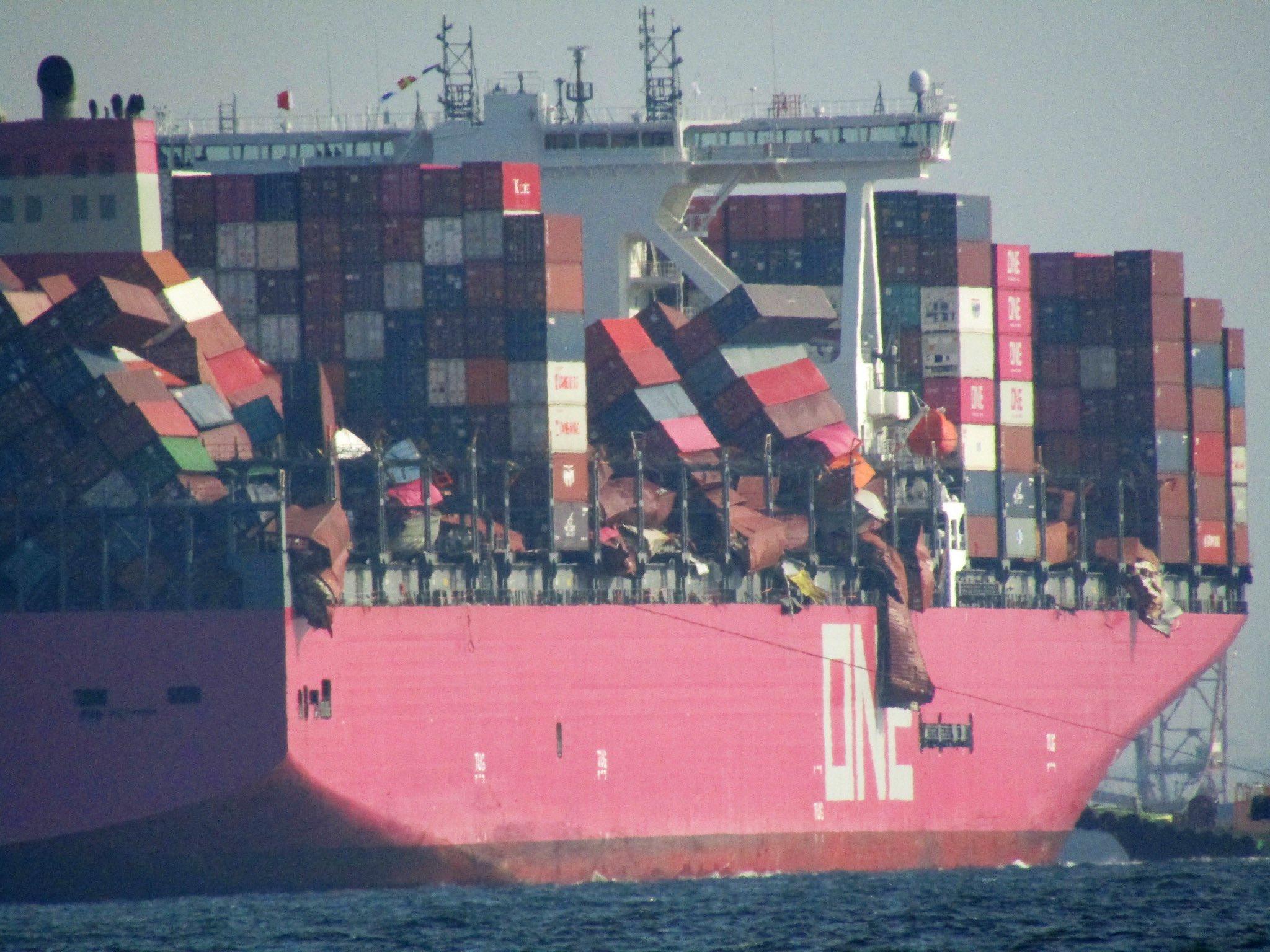 ONE Apus прибыл в Кобе для выгрузки. Предварительная стоимость ущерба оценивается в 250 млн долл 1