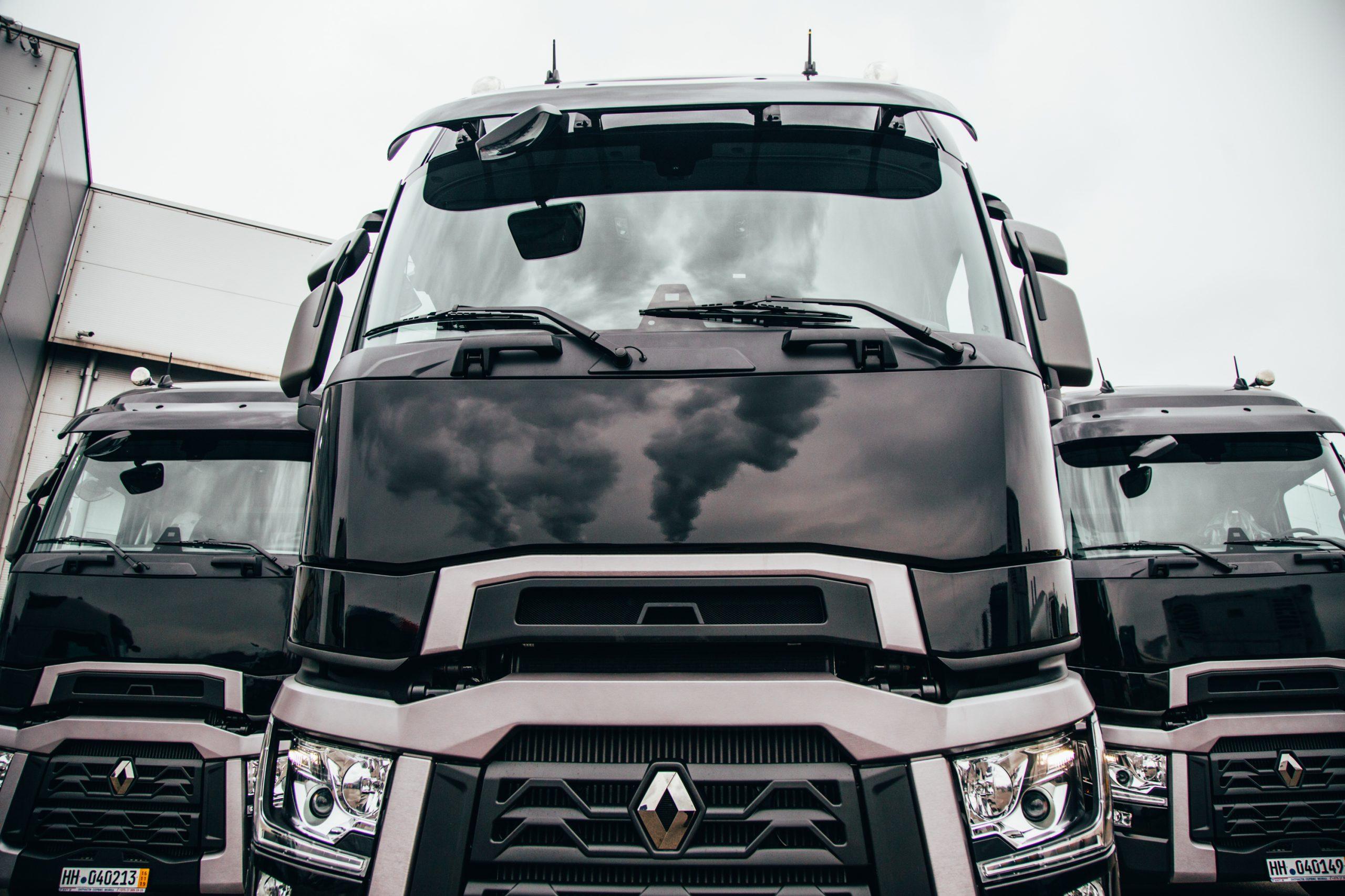 Renault Trucks в Беларуси: перевозчик выбирает не автомобиль. В «пакете» с машиной он покупает «финансы» и сервис 1