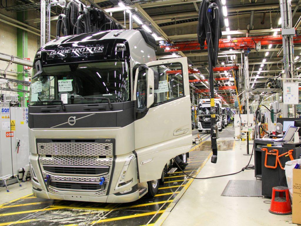 Обновленный модельный ряд Volvo FH, FH16, FM и FMX встает на конвейеры заводов Volvo в Швеции, Бельгии и в российской Калуге 1